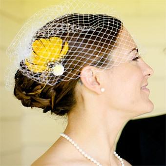 Cvetić u kosi, ove godine se nosi